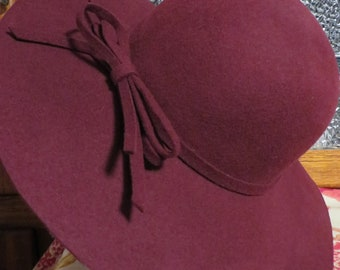 71659fa506c Wine Wool Hat Fall Winter Fashion Accessory    Floppy Style Hat w  BOW  Large Brim    Med Lge 22 1 2