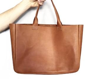 Hand Bag / Léonny Cha / Leather tote bag
