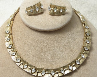 Beautiful vintage retro glamour sparkly holiday party special occasion signed Trifari gold tone crystal rhinestone necklace earrings set