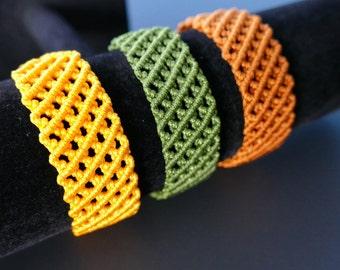 Woven Bracelet, Friendship Bracelet / Green Woven Bracelet/ Metal Free Bracelet/ Moss Green Adjustable Bracelet / Macrame Bracelet