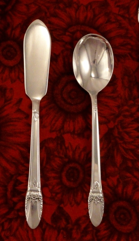 2 First Love Silverplate International Silver IS 1937 Tablespoon Serving Spoon
