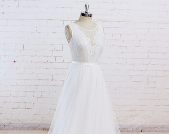 Wedding dress with lace top and tulle skirt, boho wedding dress, see through back wedding dress, beach wedding dress with lace trimming