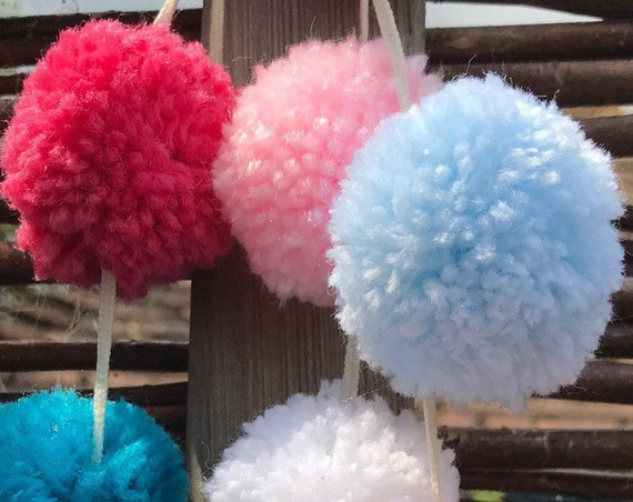 Pom Pom Garland, Blue, Lilac, White and Cerise, Pink, Emerald, 34 Poms Bunting, Party, Birthday, Home Decor, New Home, Wedding, Decoration.