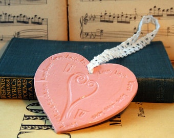Heart, Pink,  Love, I Love U, Sweet Heart, Happy Birthday, Anniversary, Romantic, Valentines Day, Mothers Day, Vintage Style, Love Gift.