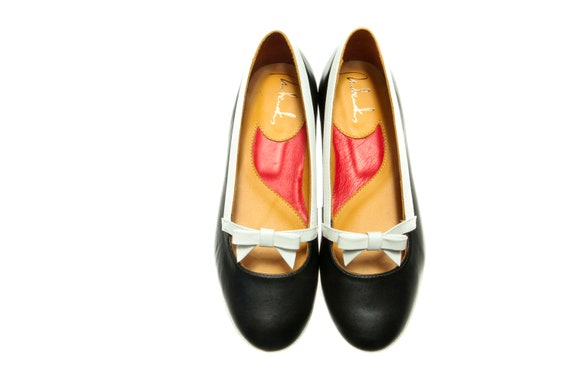 Black leather ballet shoes/ Flat office