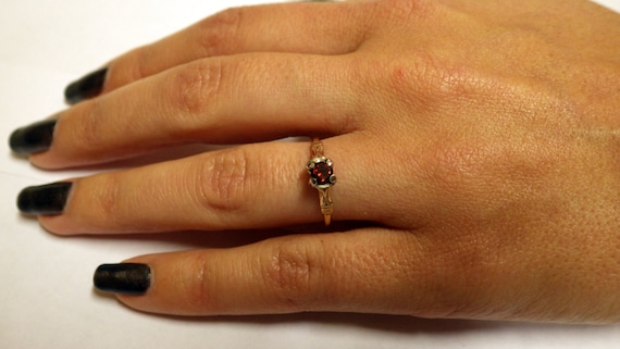 PETITE GOLD SOLITAIRE Vintage  Ring - image 1