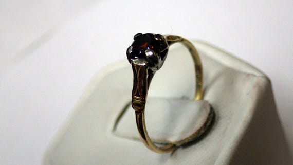 PETITE GOLD SOLITAIRE Vintage  Ring - image 9