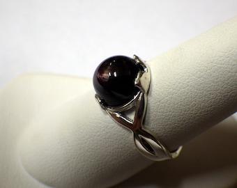 LADIES DARK PURPLE Sapphire Ring