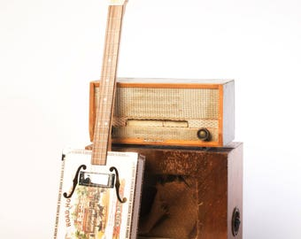 Drummond & Hammett 'Especial' Cigar Box Guitar 4 String