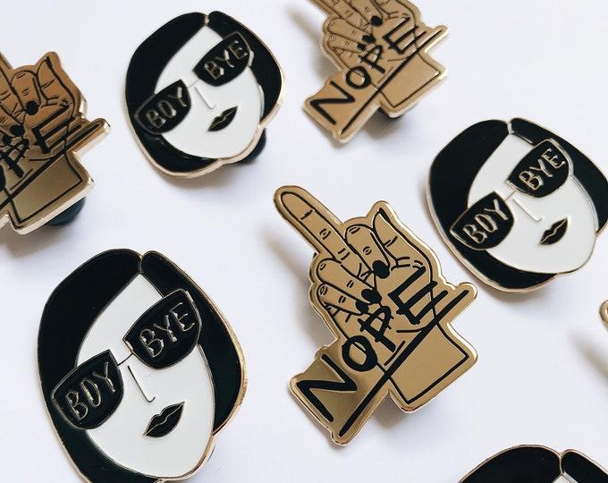 Image de l'article à la une: Duo d'épinglettes émaillées - Boy bye + Nope - Soft enamel pins