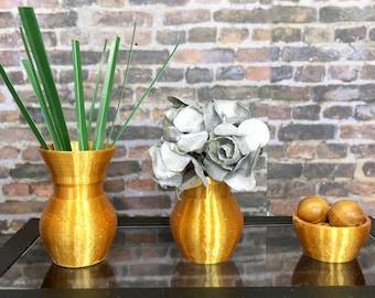 Metallic Gold Colored 1:6 Scale Doll Decor Set of 3 Vase Decor For Barbie Sized Room Box Accessories Dollhouse Decor