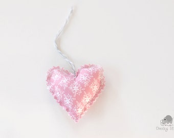 Vintage pink heart gift hanger, shabby chic pink heart, heart gift tag, décor handmade heart hanger, fabric stuffed heart, Valentine's heart