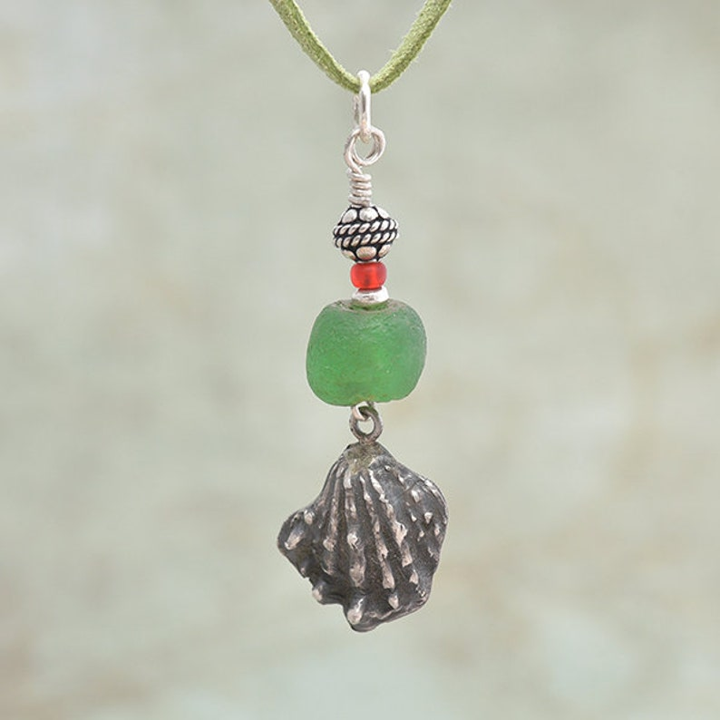 Silver shell Pendant with Green Glass Bead Silver Seashell image 0