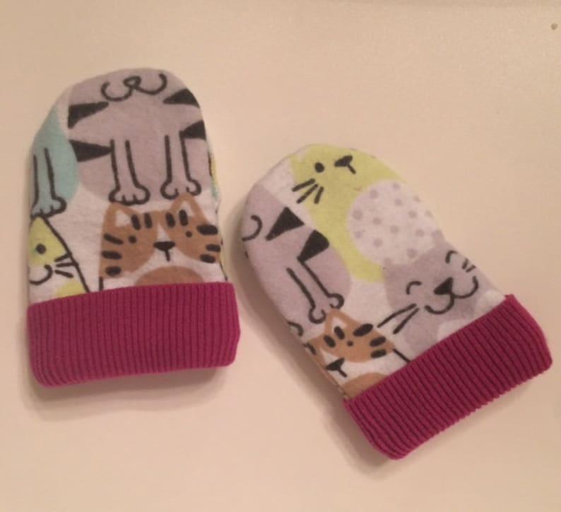 toddler mittens,infant mittens,baby girl,hand sewn gloves,cat print mittens,teal,green,brown,dark pink,flannel fabric,fleece fabric,winter