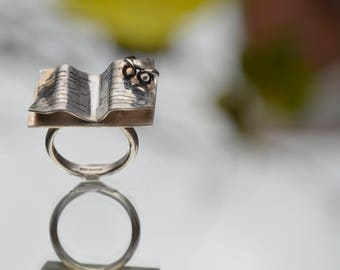 Sterling silver book with reading glasses ring
