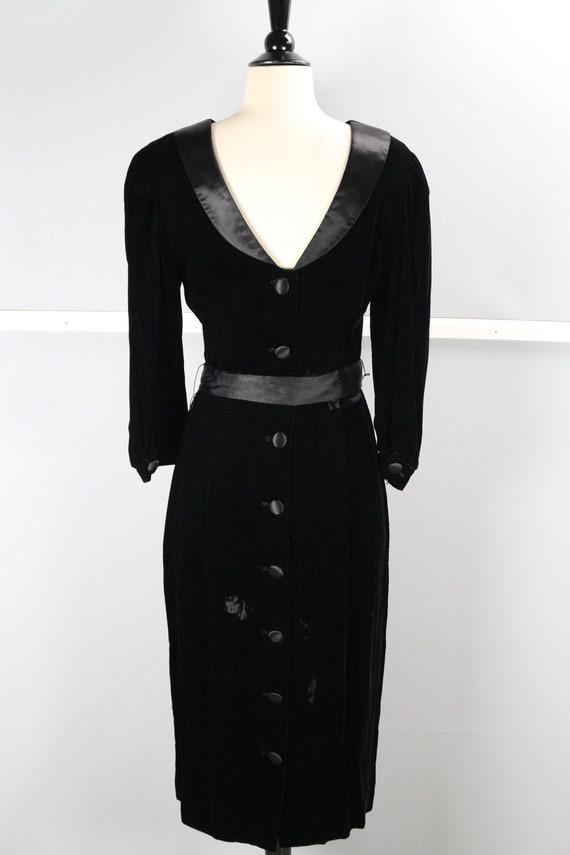 Vintage Satin Lined Scoop Neck Pinup Cocktail Dres