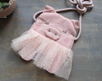 Pink pig shaped crossover / messenger bag