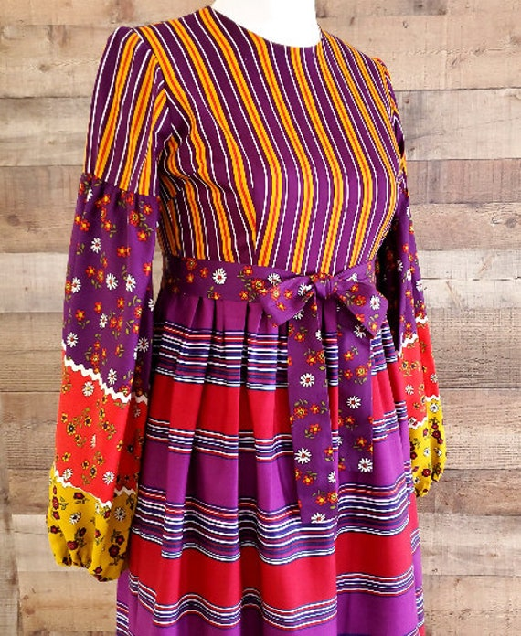 1960s Dress S Small Long Sleeve Maxi Dress - image 4