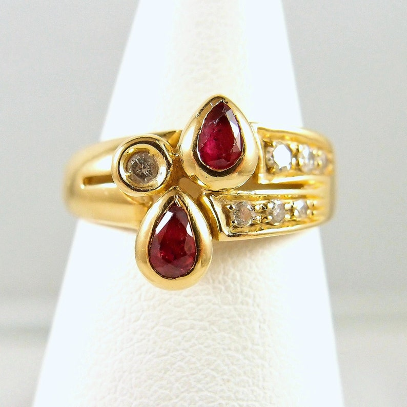 18K solid gold ring with natural rubies and brilliant cut image 0