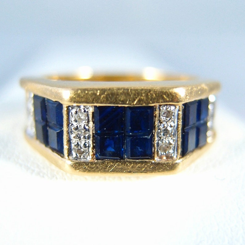 Estate 18K solid gold ring with sapphires and diamonds Stamped image 0
