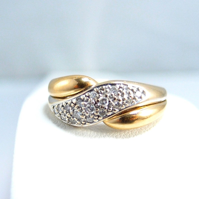 Vintage 18K solid gold ring with natural diamonds Bicolor Fine image 0