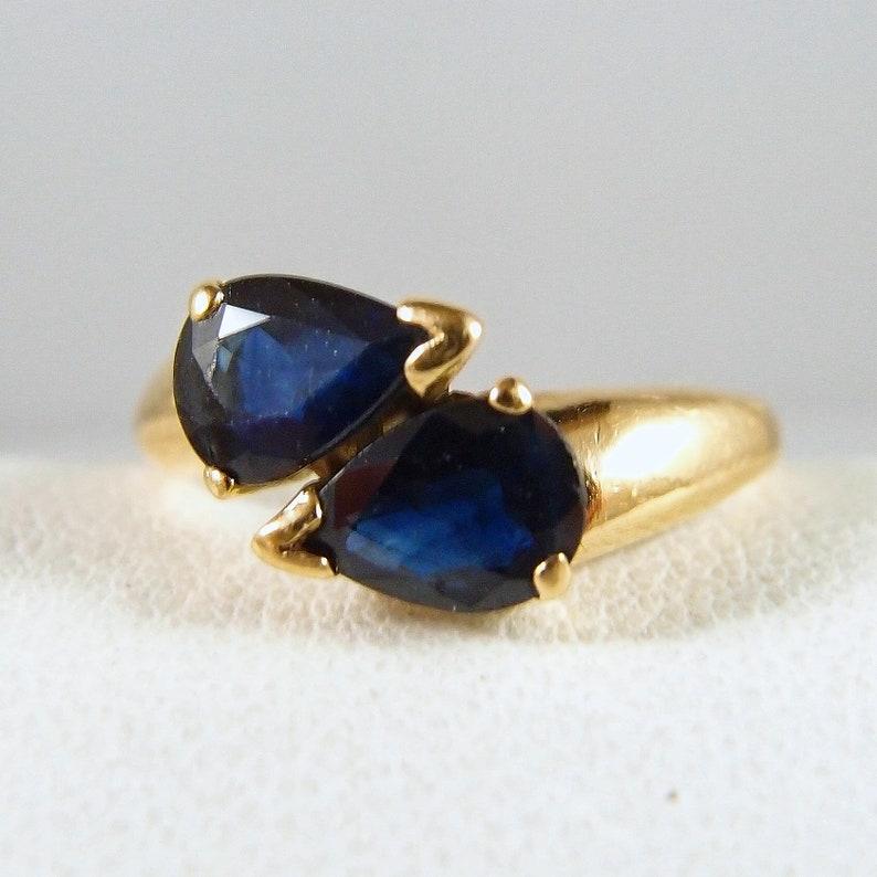 Vintage lovely pear-faceted blue sapphires 18K solid gold image 0