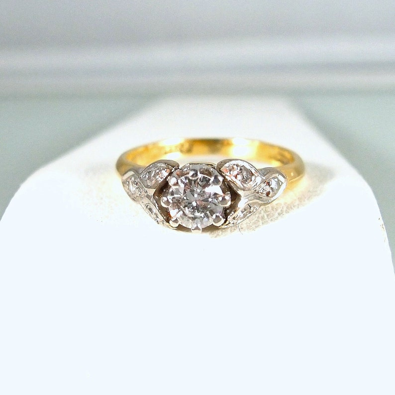 Splendid earth mined diamond solitaire in 18K solid gold and image 0