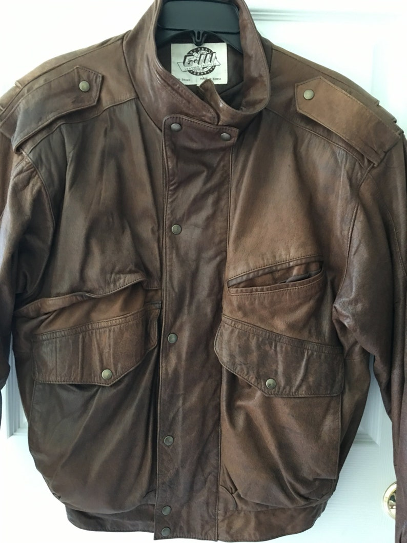 dd8740784 Vintage aviator men's leather bomber jacket Small Korea 80s style with  Shoulder pads