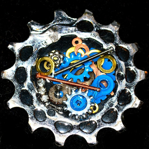 Bicycle Brooch, bike pin, upcycled bike jewelry, bike part jewelry, bike cog