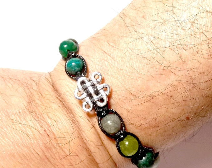 Featured listing image: Tibetan bow bracelet in macrame and green stone beads.
