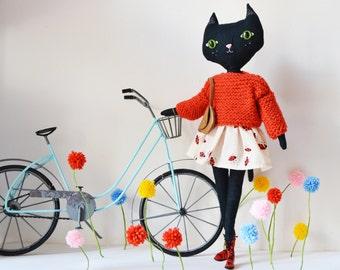 Black Cat doll. La Grande Odette 100 % handmade. Black cat linen collection doll.