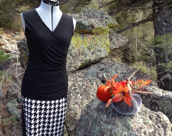 Pencil Skirt in Neoprene/Scuba fabric,  Business or casual, Short Skirt, black and white large Houndstooth digital print  Unique!