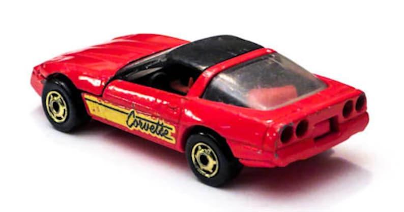 Hot Wheels 1989 Gold Hot Ones 80s Corvette No.1