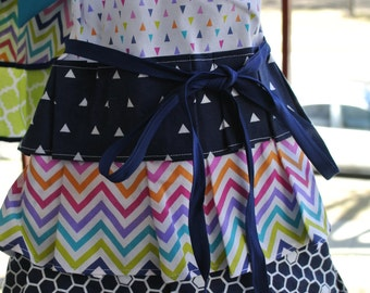 Girl's  Mommy and Me Apron, Girl Apron, Full Apron, Vintage Style Apron, Girly Apron, Size 5/6, size 5-6