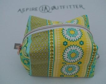 Boxy Bag   Boxie Bag   Travel Bag   Cosmetic Bag   Makeup Bag   Overnight Tote   Art Supply Bag   Art Supplies Tote   Craft Bag   Craft Tote