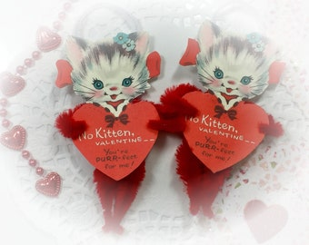 Red Kitty Chenille Vintage Style Valentines Day ONE Ornament - Christmas Tree Decoration - Kitten Cat Pipe Cleaner Ornament - Gift Topper