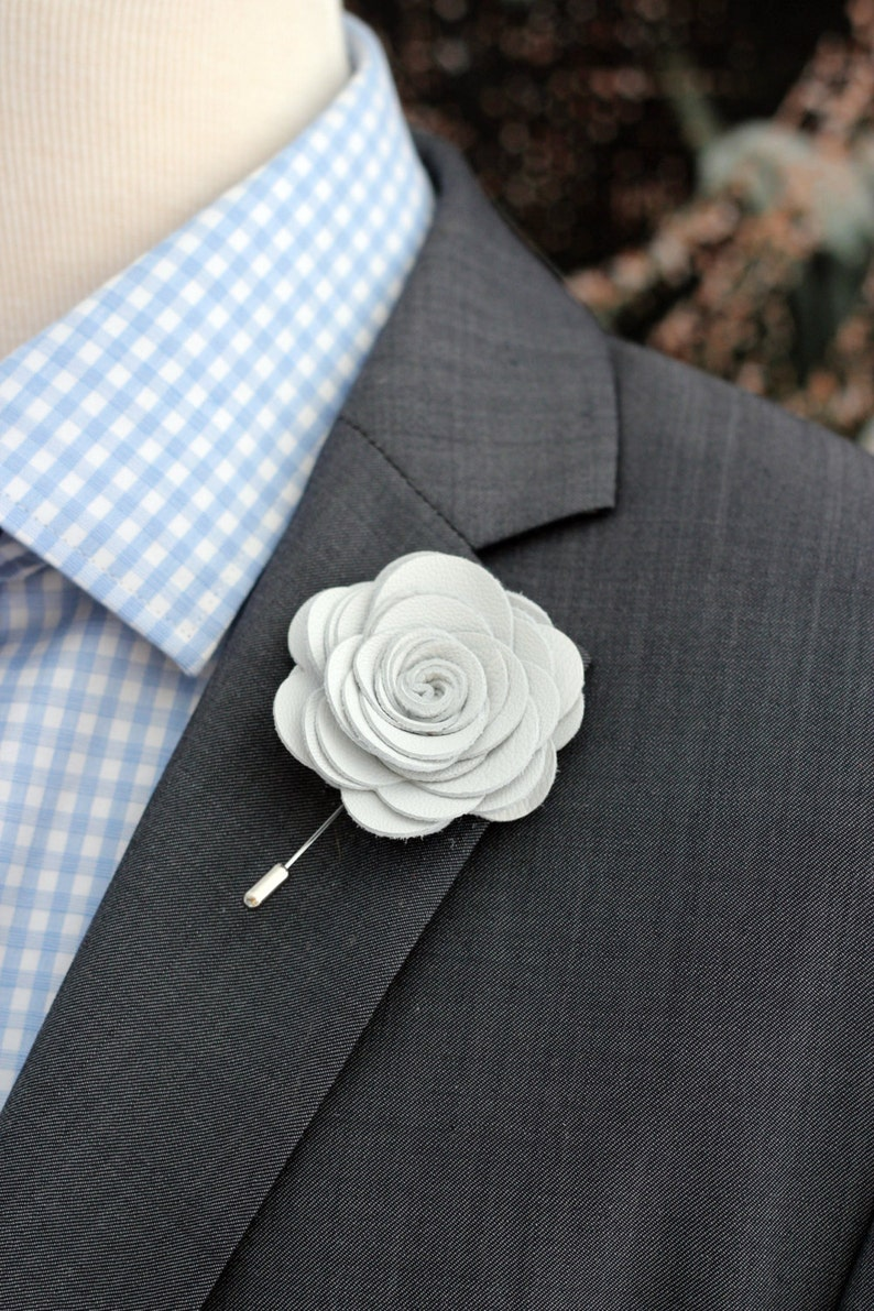 da6646cc794ae Big White leather lapel rose pin, Mens lapel flower, stick pin, white lapel  wedding boutonniere, lapel boutonniere,white rose boutonnniere