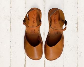 2f2124d3dd41 Flat leather sandals