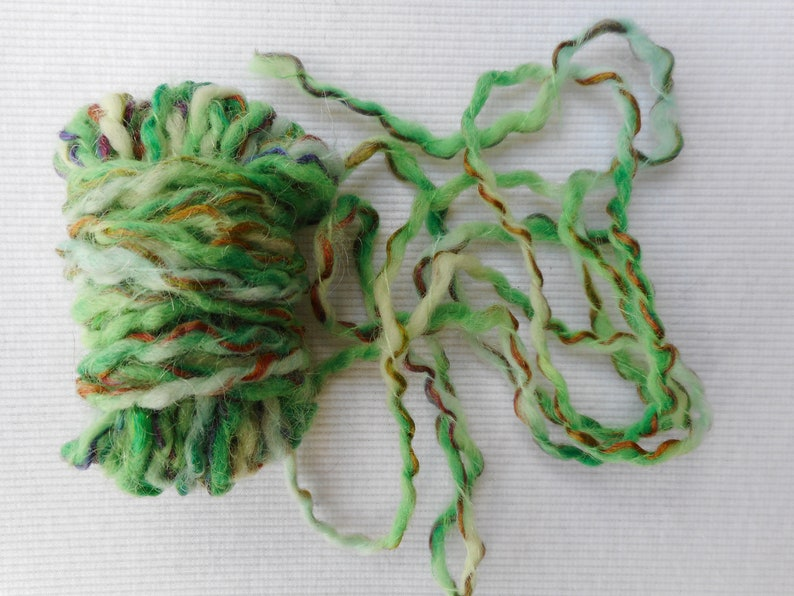 art quilts fiber art Wool blend green wcolored pieces 22 decorative yarn for arts and crafts and more mixed media art 10 yards