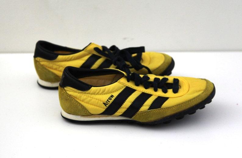 Vintage 80er Adidas Schuhe laufen Jogger Pfeil neuen jungen 4 Kinder, gelb, schwarz