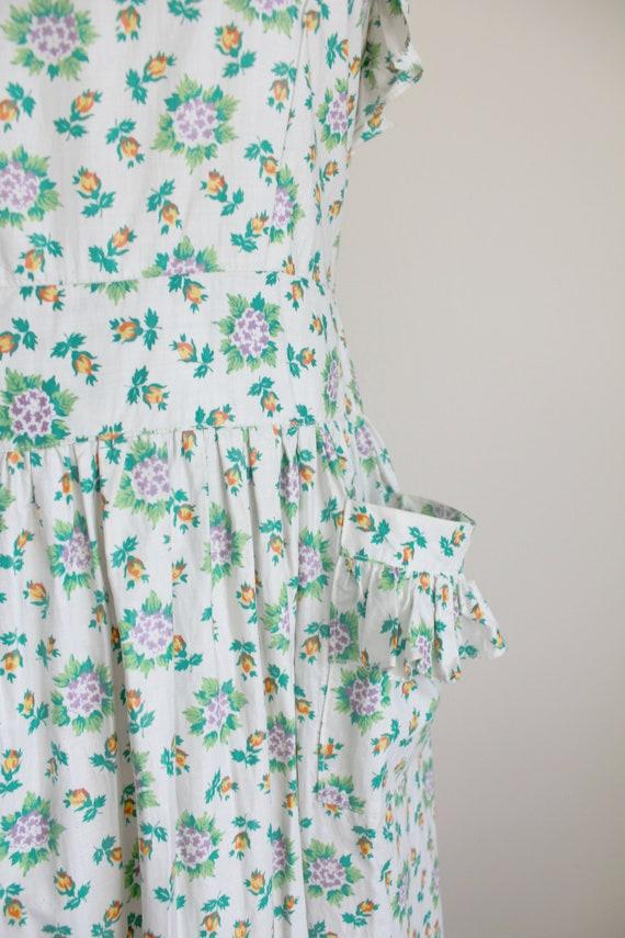 1940s Floral Pinafore Dress   Button up Back Dres… - image 5