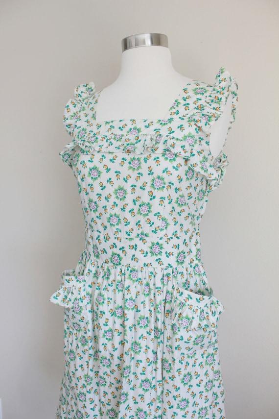 1940s Floral Pinafore Dress   Button up Back Dres… - image 9
