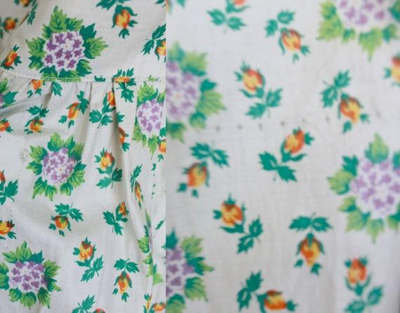 1940s Floral Pinafore Dress   Button up Back Dres… - image 10