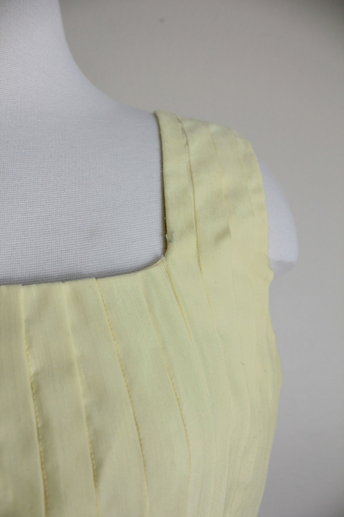 1950s Yellow Buttercream L'Aiglon Dress  28 inch