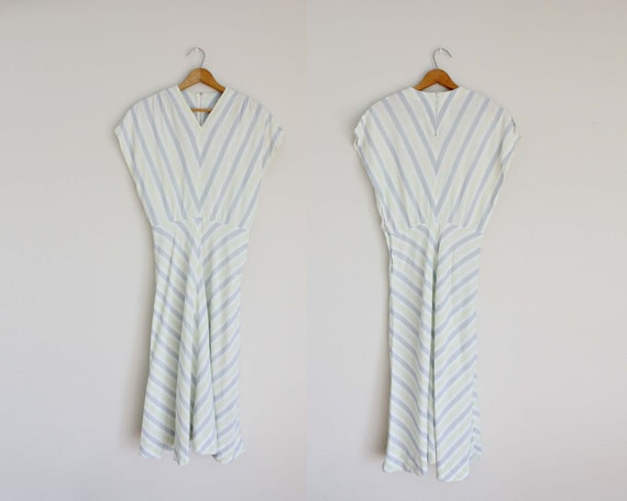 "1940s Chevron Striped Dress | Extra Small 24"" inch"