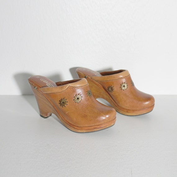 1970s Leather Wooden Clogs by Chandlers | Size 5B