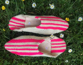 Babouche - Kilim Slippers - White and Pink