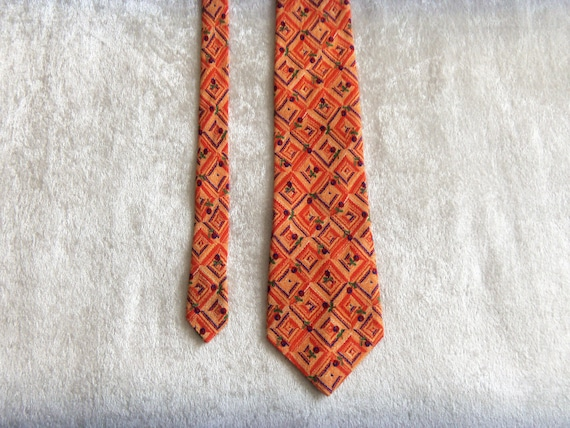 YORN Silk Tie Boutique Chic Necktie Geometric Pat… - image 4