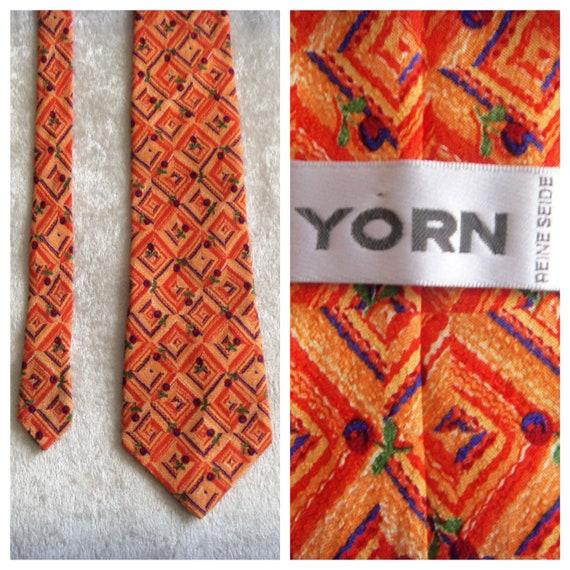 YORN Silk Tie Boutique Chic Necktie Geometric Pat… - image 2