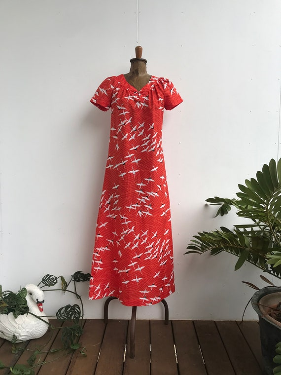 Beautiful 1960s red oriental crane print maxi dres